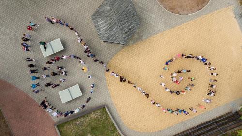 Vogelperspektive Schülerschlange