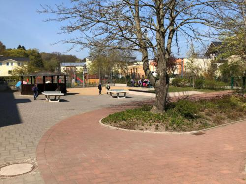 Pausenhof (2)